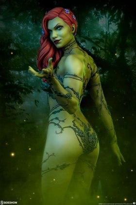 dc-comics-poison-ivy-premium-format-figure-sideshow-300487-01 Figurine - DC Comics Poison Ivy Premium Format