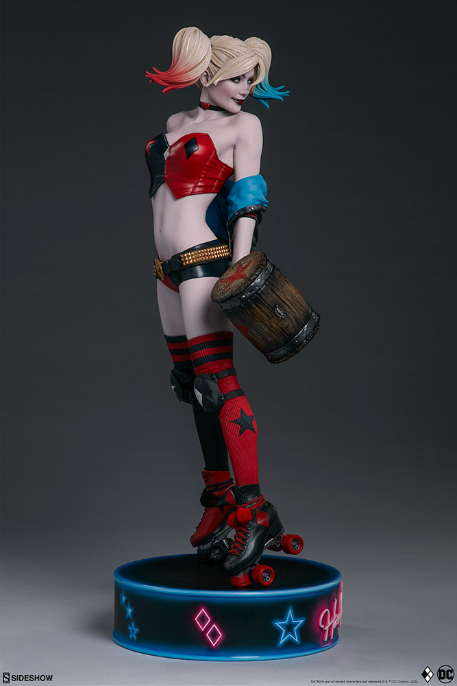 harley-quinn-hell-on-wheels_dc-comics_gallery_5e30bbaf80bb4 Figurine - Harley Quinn en roller par SideShow
