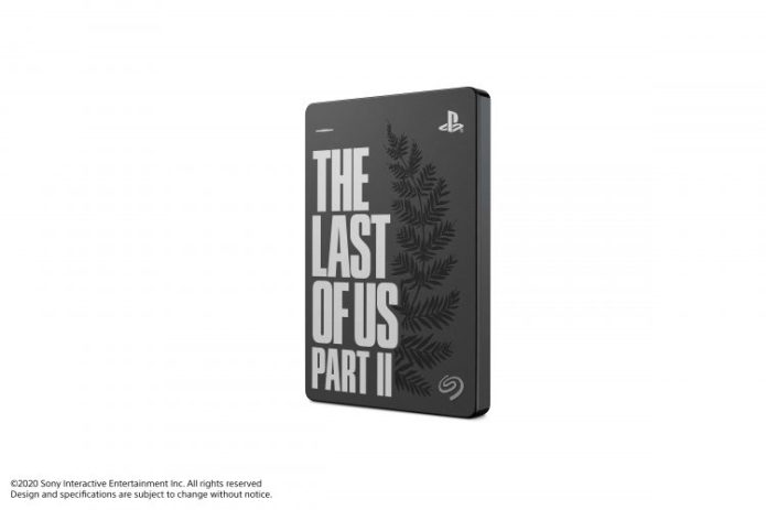 PS4-edition-limitee-the-last-of-us-2-12-min-750x500-1 The Last of Us II - PS4 - Manette - Casque - Disque Dur   -Edition limitée