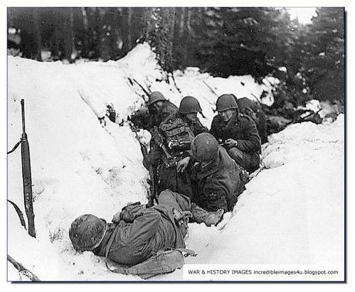 Tropas americanas se protegem em Ardennes
