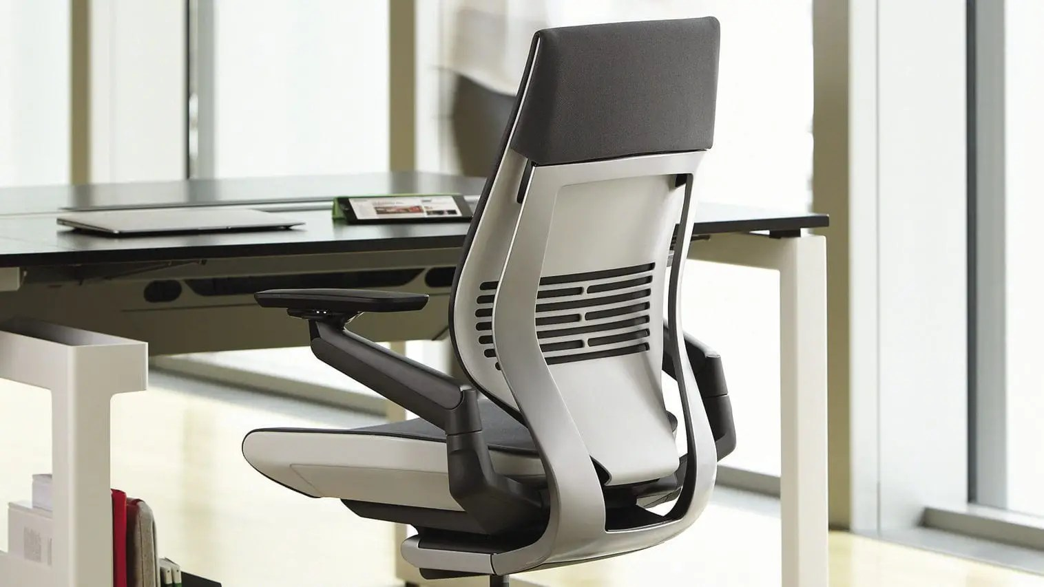 steelcase gesture chair human touch perfect is dit de beste race bureaustoel  gamestoel