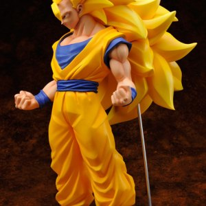 Dragon Ball Z Super Saiyan 3 Son Gokou-0