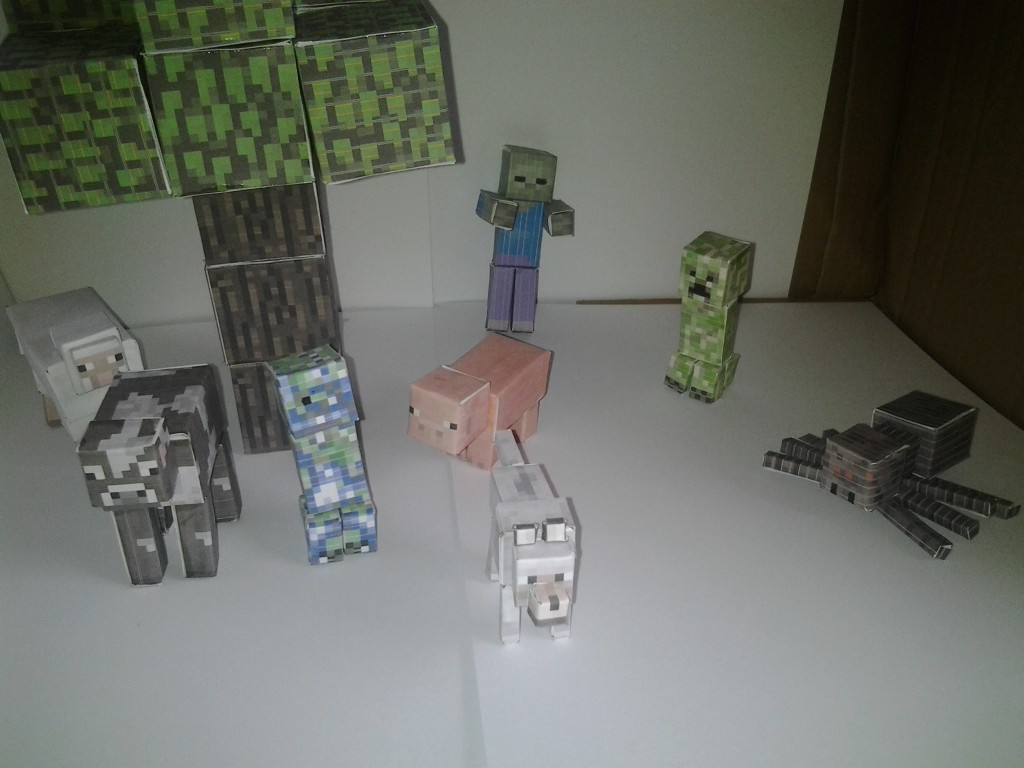 Minecraft Papercraft Scene Creeper And Charged Creeper