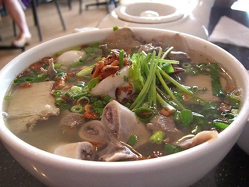 khmer-noodles-in-cambodia, Things to do in Cambodia, Cambodia travel guide, backpacking Cambodia, Angkor Watt, what to eat in Cambodia