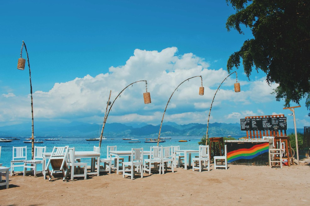 things to do in gili trawangan, how to get to Gili Trawangan, gili trawangan viewpoint, things to do in gili air, places to go in gili trawangan, romantic things to do in gili trawangan, gili islands, gili trawangan booze cruise