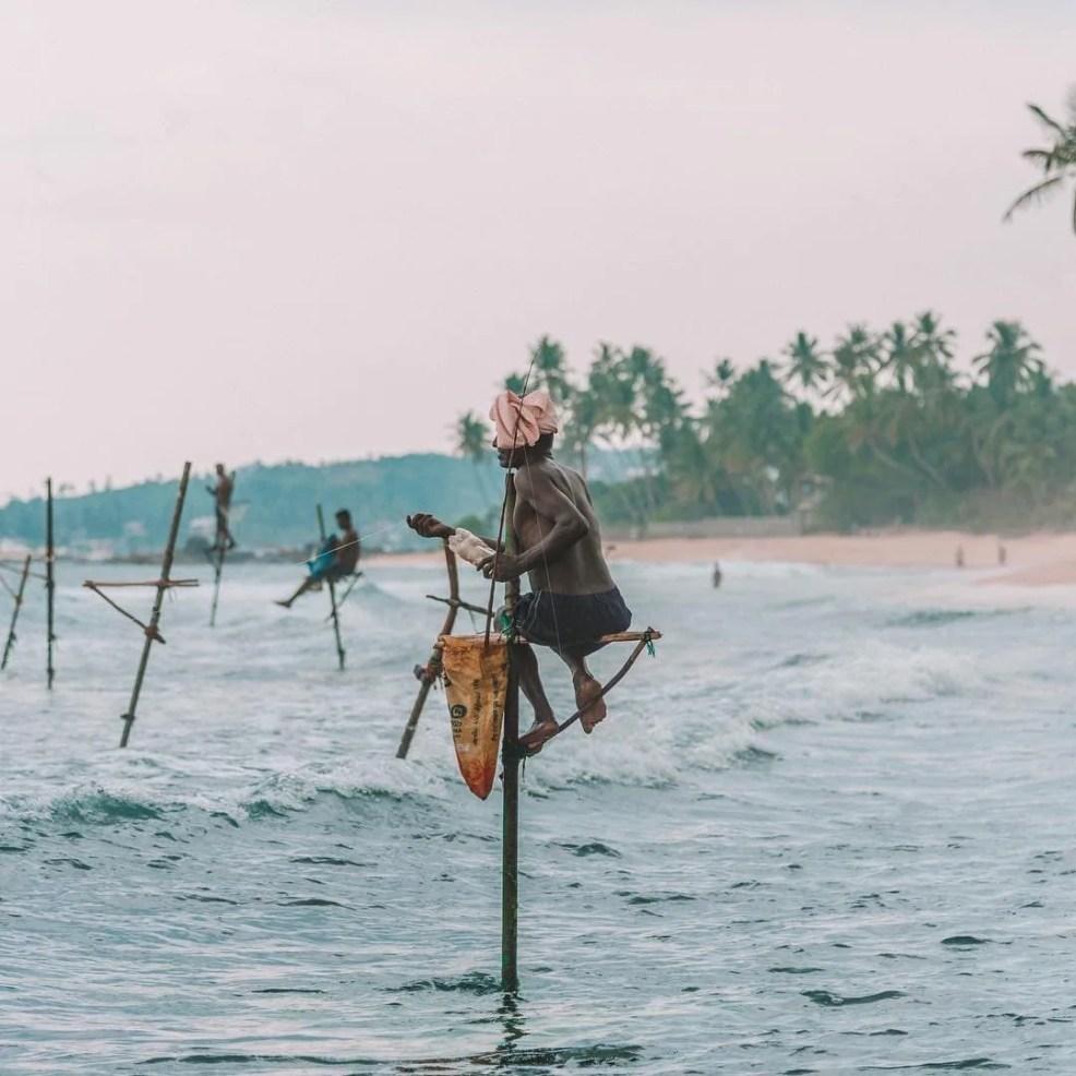 Fishermen in Unawatuna, budget travel in sri lanka