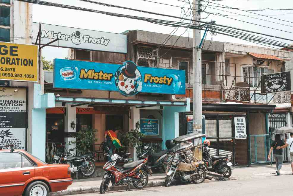 Mister Frosty, best restaurants in Angeles City, things to do in Angeles city, where to eat in Angeles city, how to get to angesles city, Holy Rosary Parish Church, zoocobia fun zoo, fontana water park, puning hot spring, resorts in angeles city, festivals in Angeles city, where to sleep in Angeles city