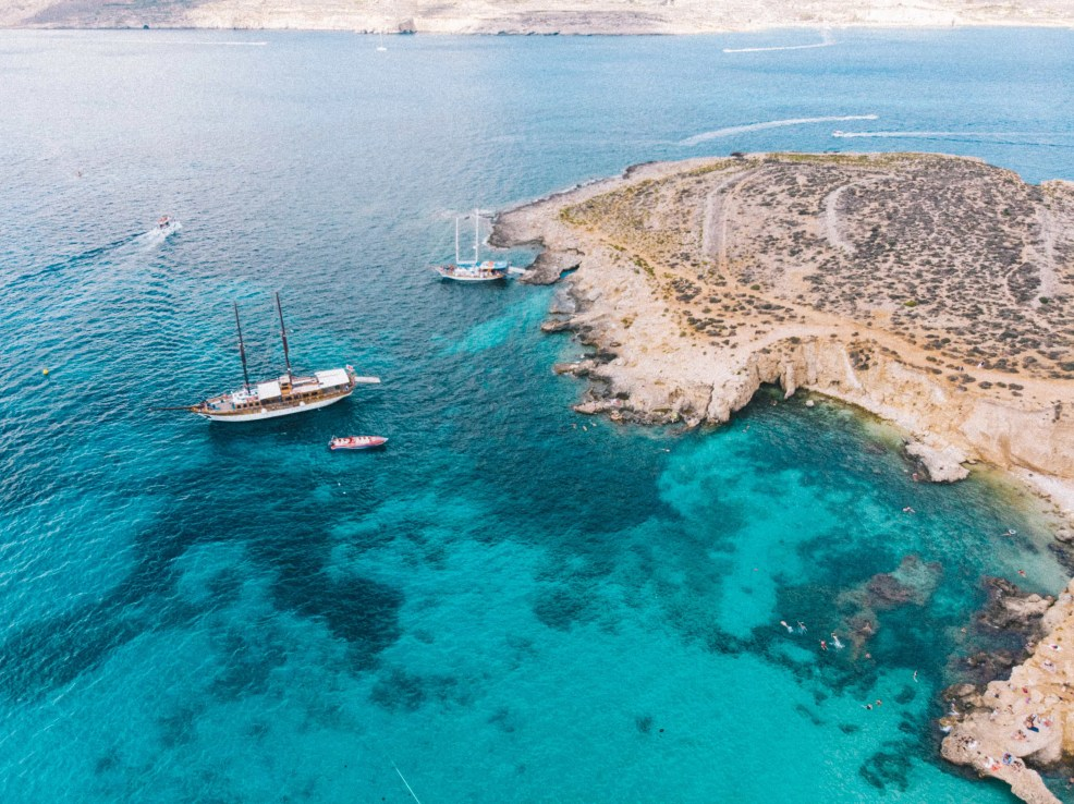 Things to know before visiting Malta, places to visit in Malta, blue lagoon, comino island