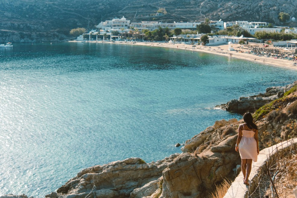 Things to do in Mykonos, Places to visit in Mykonos, Food to try in Mykonos, psarou beach in mykonos