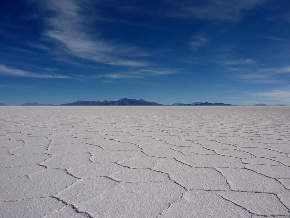 Budget travel in Bolivia salar de Uyuni
