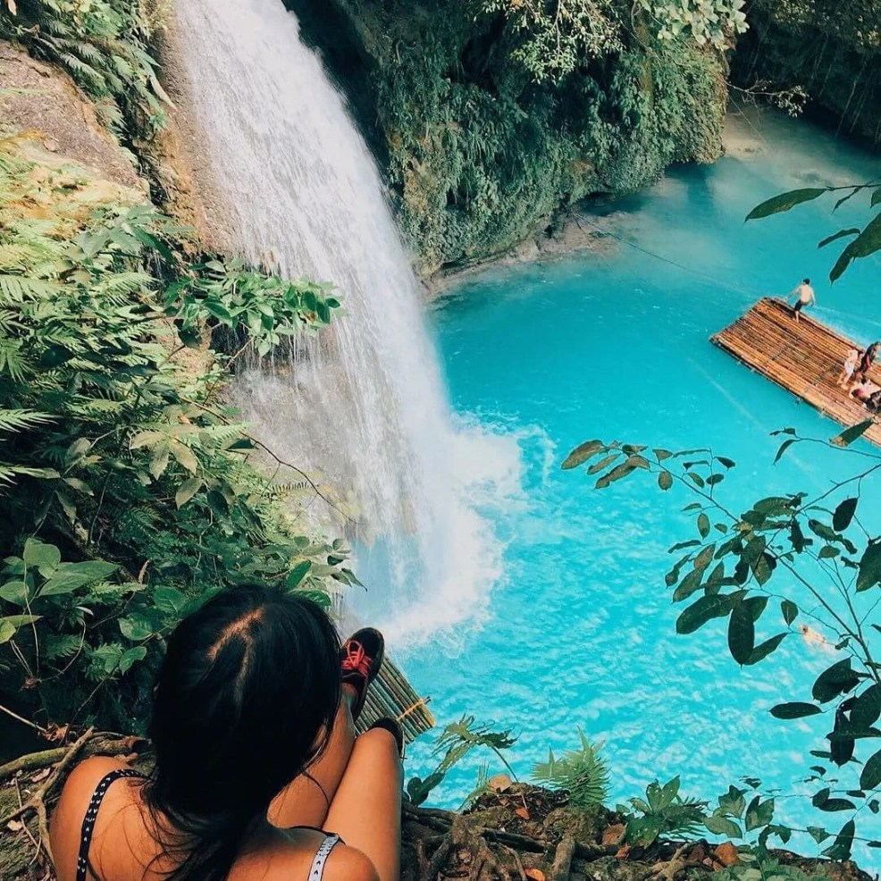 top instagrammable places in Philippines kawasan falls