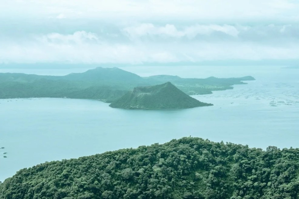 Taal Lake, Tagaytay tourist spots, things to do in Batangas