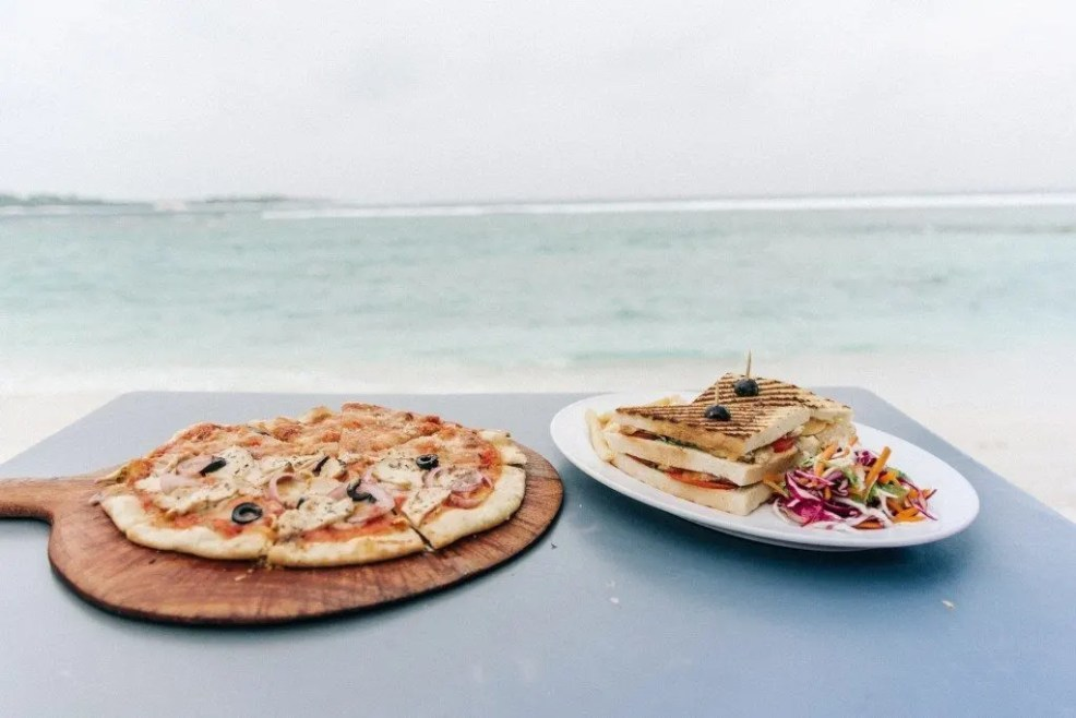 where to eat in Thulusdhoo, Canopus Retreat