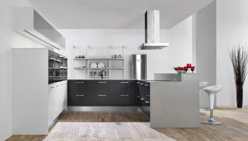 Cocina con suelo laminado imitación madera, electrodomésticos en acero y muebles en color wengué