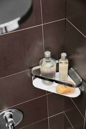 Contenedor de champús esquinero para -ducha-DOTT de la marca Girardi de Grup Gamma para baño seguro niños.
