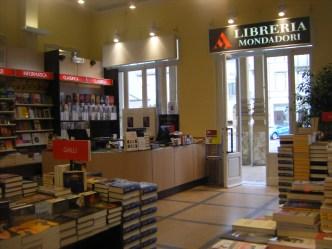 Libreria Mondadori - Gamobu