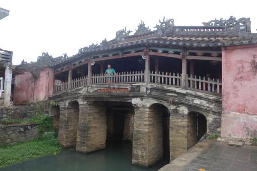 Le fameux pont-pagode Japonais, ou Chau Co