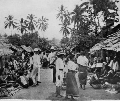 Le marché de Luang Prabang en 1900...