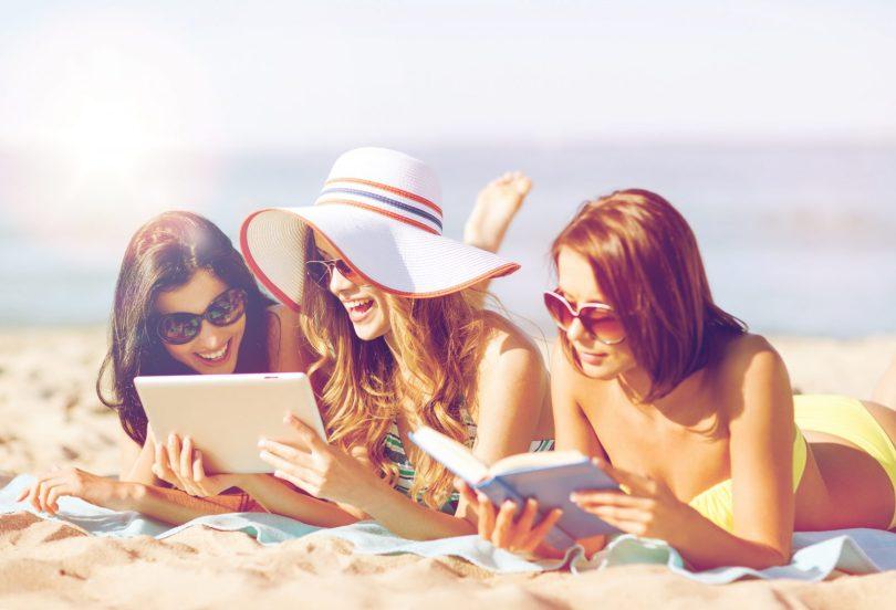 7 książek, dzięki którym poczujesz wakacje