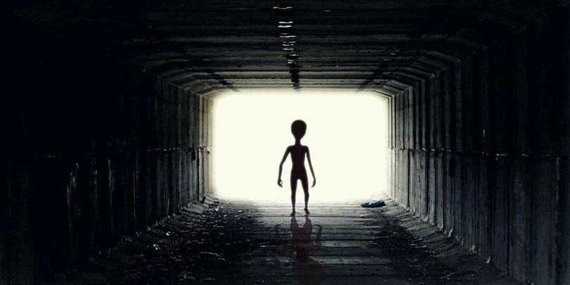 filmy o kosmitach