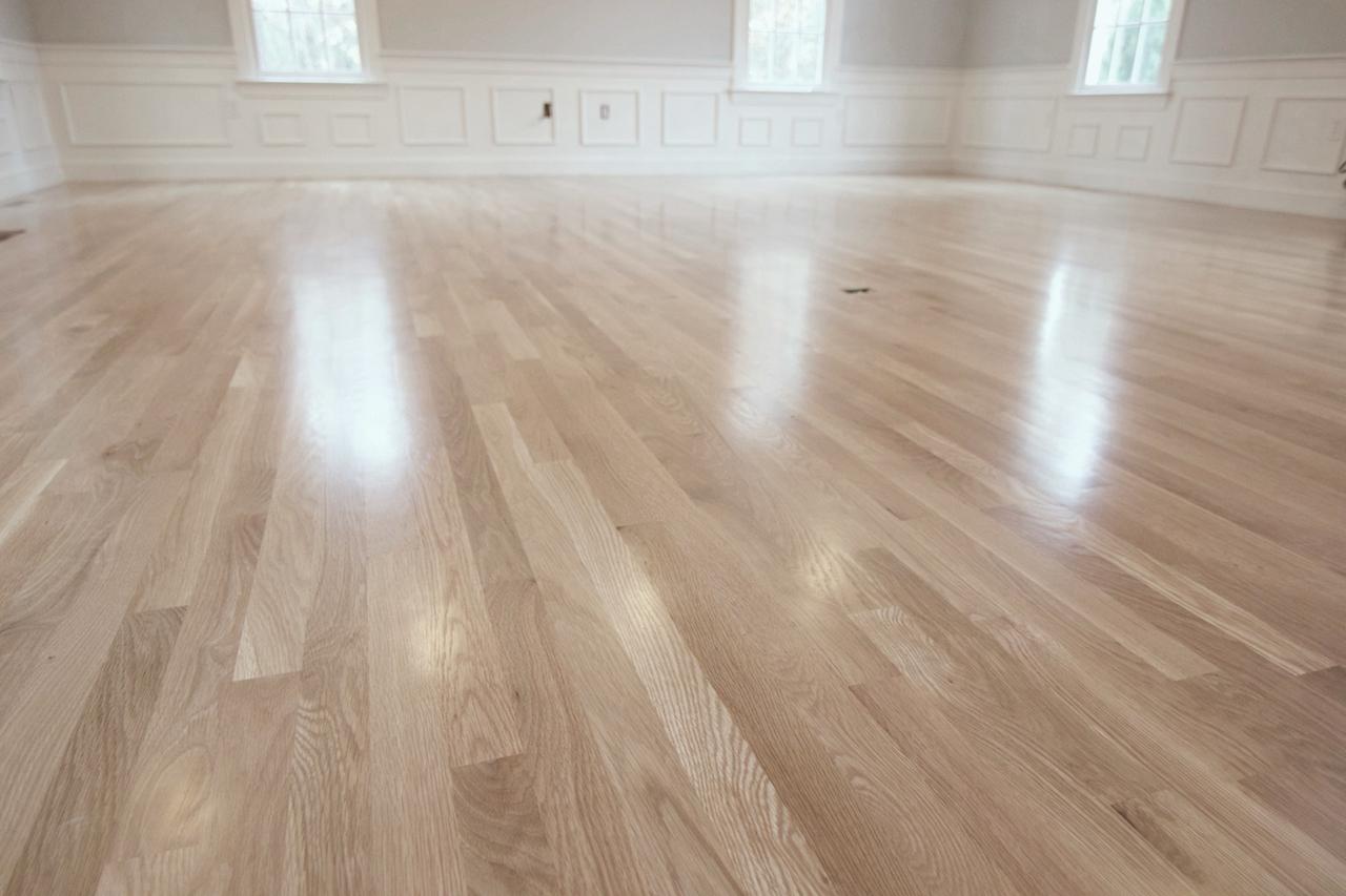 How Many Coats Of Polyurethane On Wood Floor