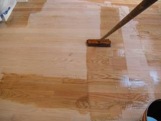 Best Brush To Apply Polyurethane To Wood