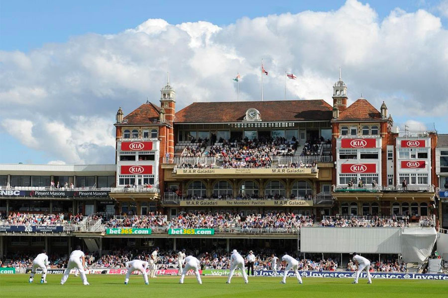 An image of England playing cricket at The Oval cricket ground - book a chauffeur to this event from GandT Executive