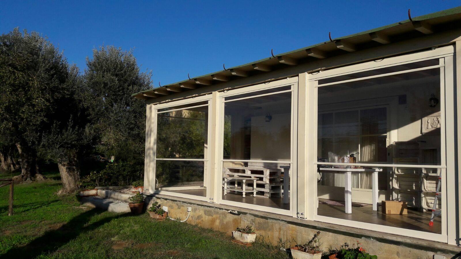 In questo 2021 ci sono molte novità per quanto riguarda le tende da sole roma che vadano a essere utili anche per riuscire a garantire una buona protezione del sole, ma che siano molto belle da vedere. Tende Antivento E Antipioggia Ideali Per Chiudere I Tuoi Spazi Esterni Gani