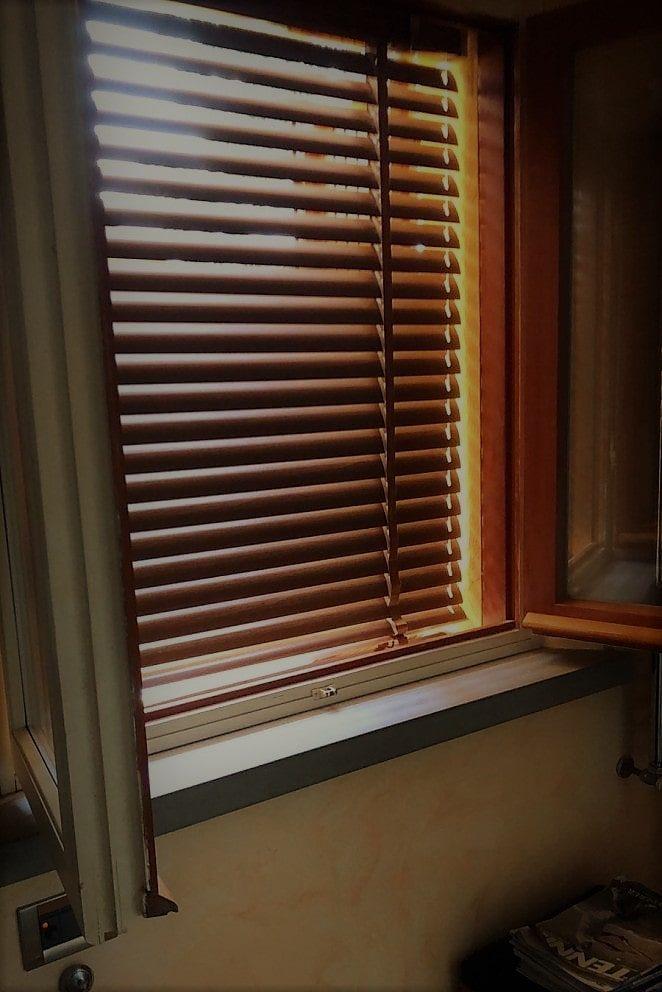 Finestra in pvc tende alla veneziana bianco easy fit home office cieco effetto legno tutte le dimensioni. Tende Alla Veneziana Pratiche Durature E Moderne Gani