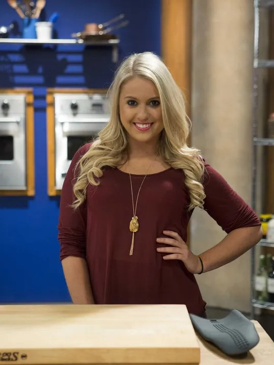 Nashville Singer Competes On Worst Cooks In America