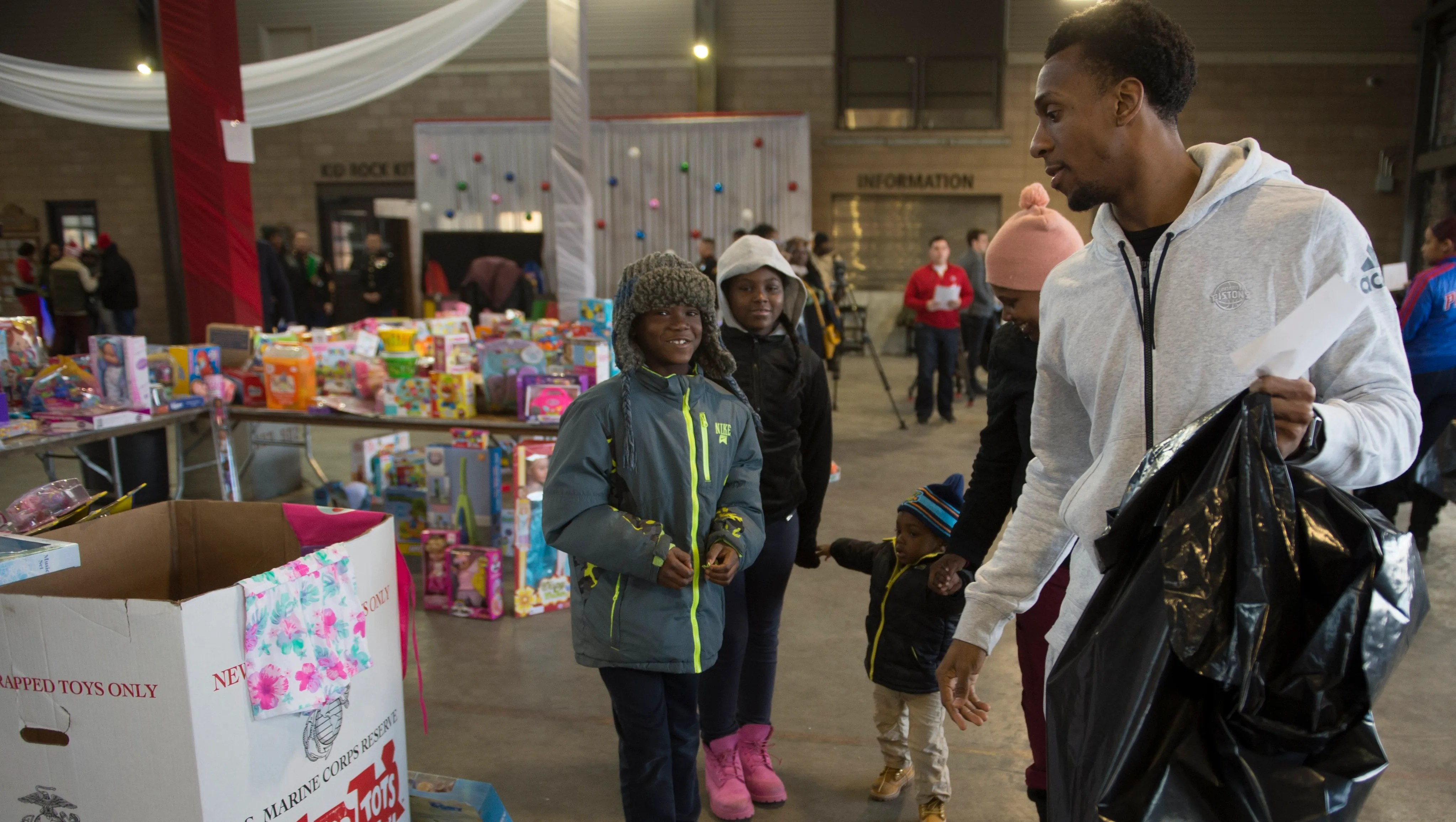 Detroit Pistons Stanley Johnson Hands Out Joy At Toys For