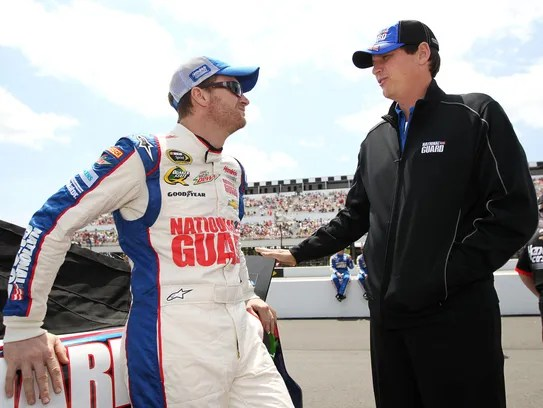 Dale Earnhardt Jr Reaches NASCAR Crossroads