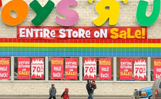 Retail Stores Closing But Local Economists Not Alarmed