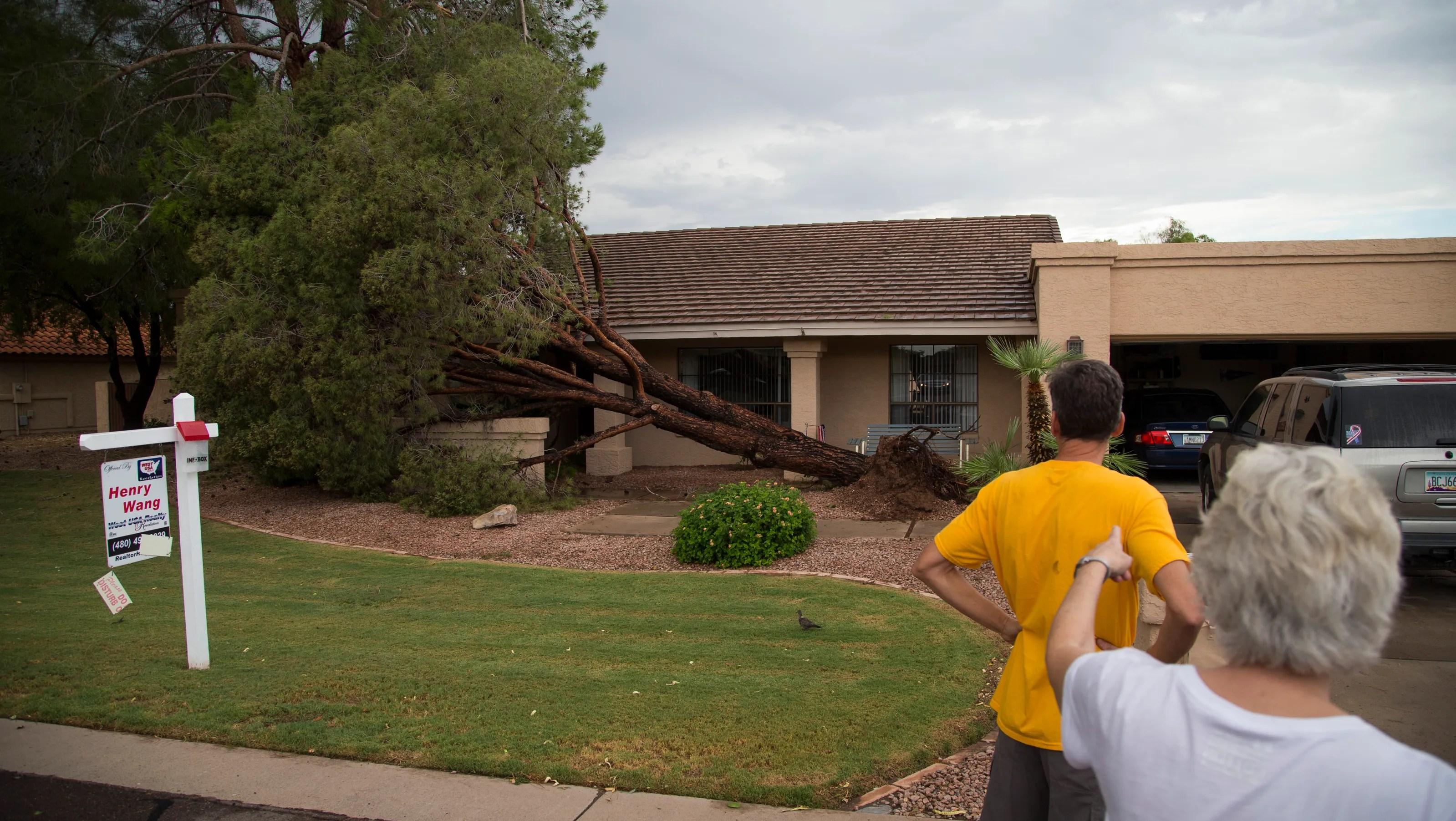 Phoenixarea storms cause power outages flooding