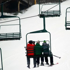 Old People Chair Lift Patio Fire Pit Chairs Blue Mountain Resort Nj Teen Dies After Falling Off