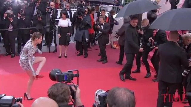 Kristen Stewart Barefoot Cannes Red Carpet