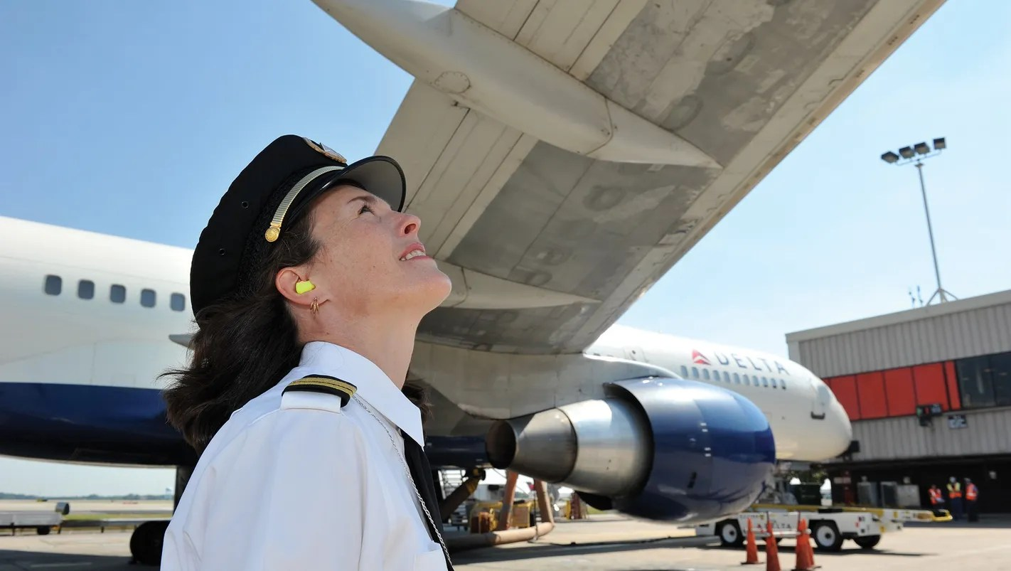 Lonely at the top Female airline pilots wish more women