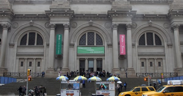 Nyc' Met Museum Sued Over 'deceptive' Admission Policy