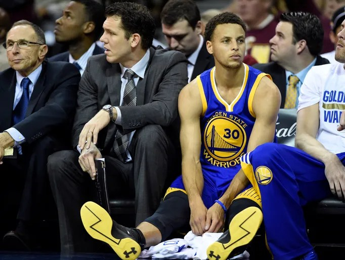 Golden State Warriors guard Stephen Curry (30) sits