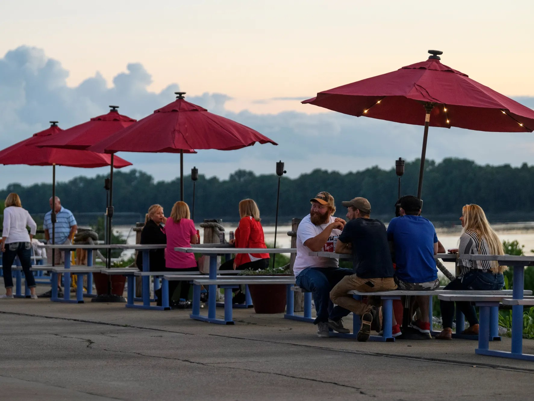 kc s marina pointe brings southern beach bar fun to the ohio river