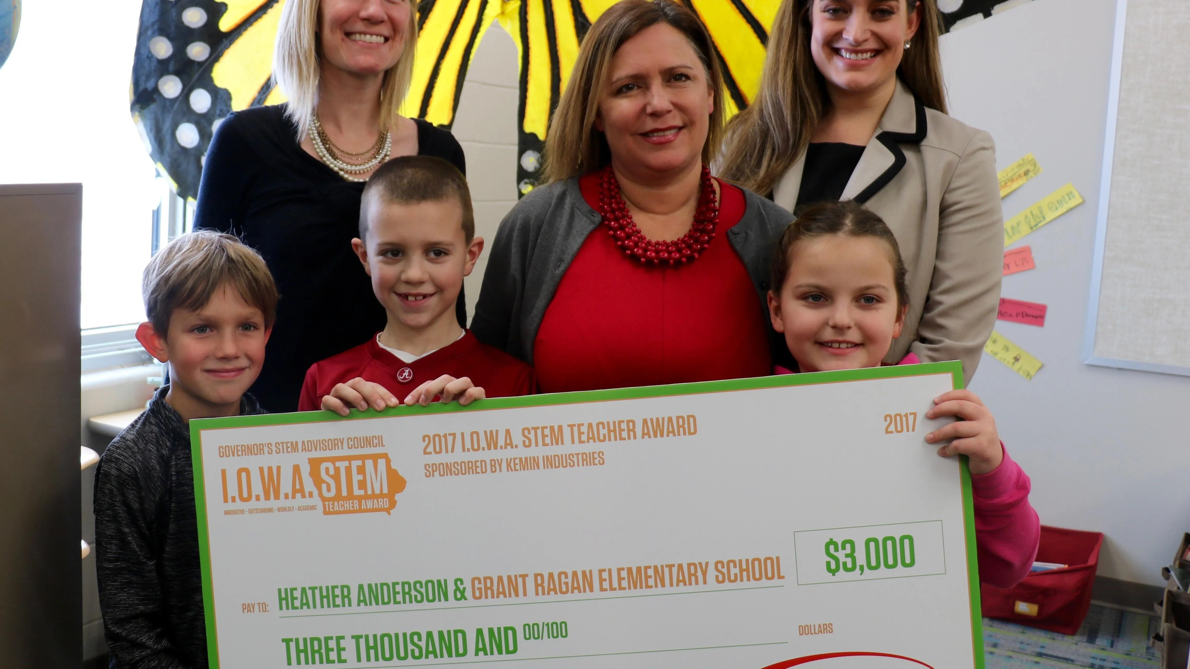Grant Ragan Elementary Teacher Wins Stem Award