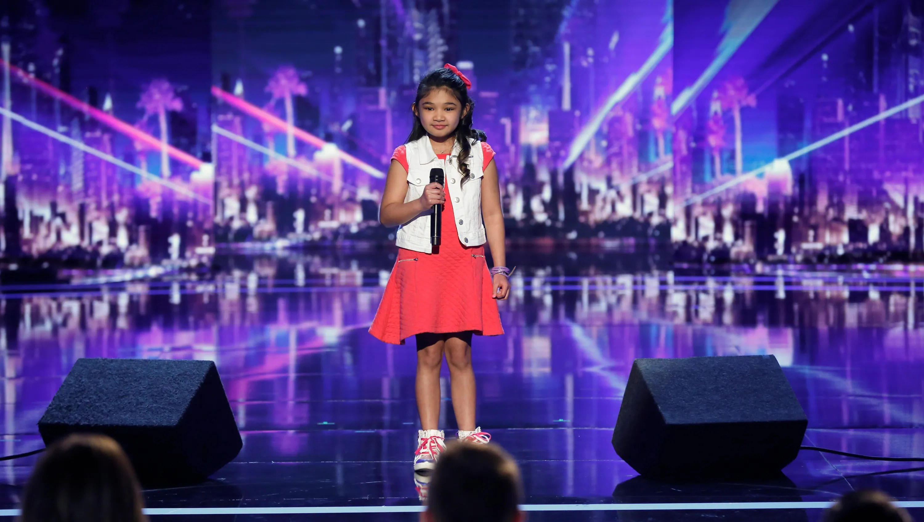 America S Got Talent 9 Year Old Wows Judges With Alicia
