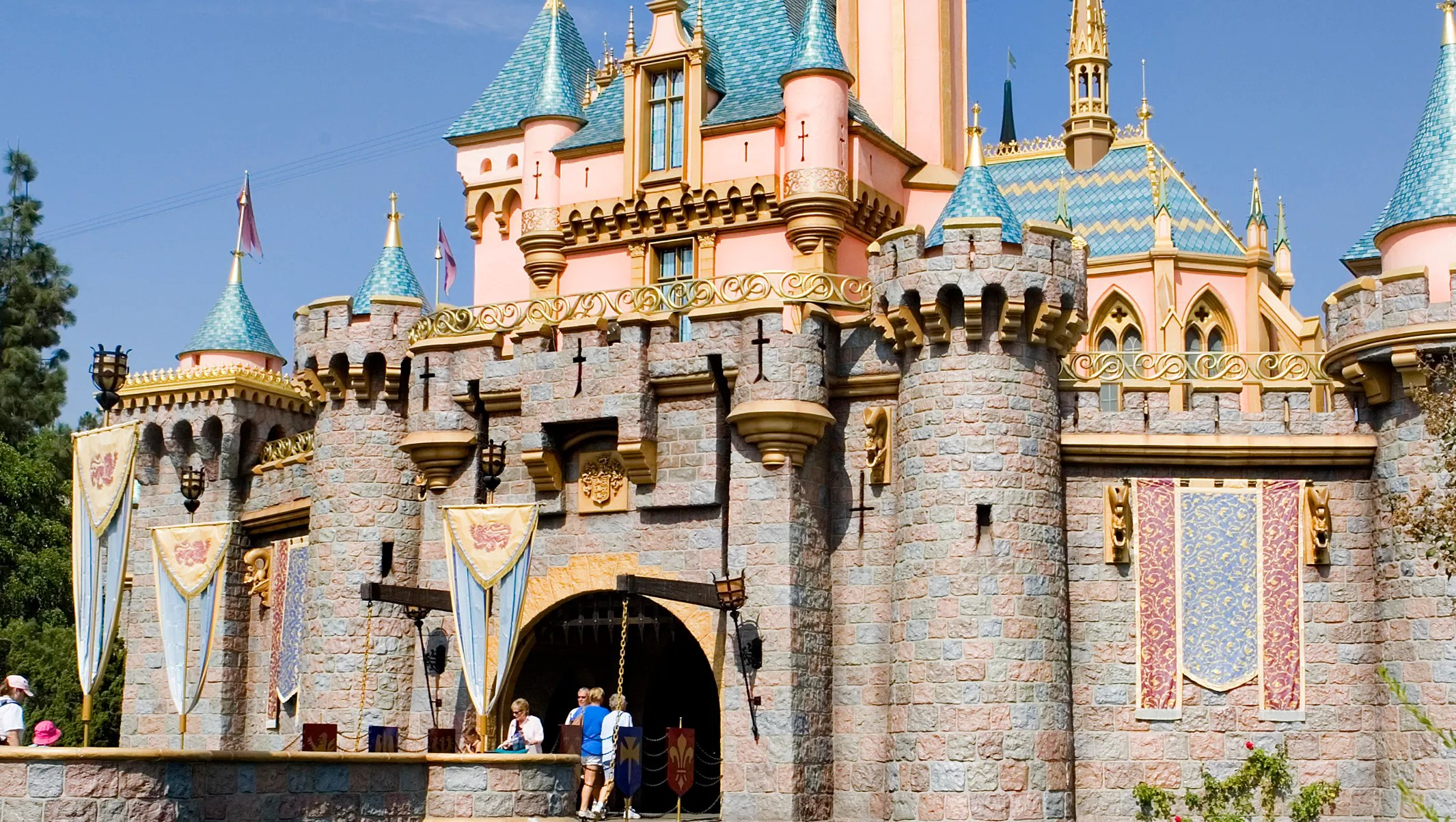 Disneyland Walls Iconic Sleeping Beauty Castle