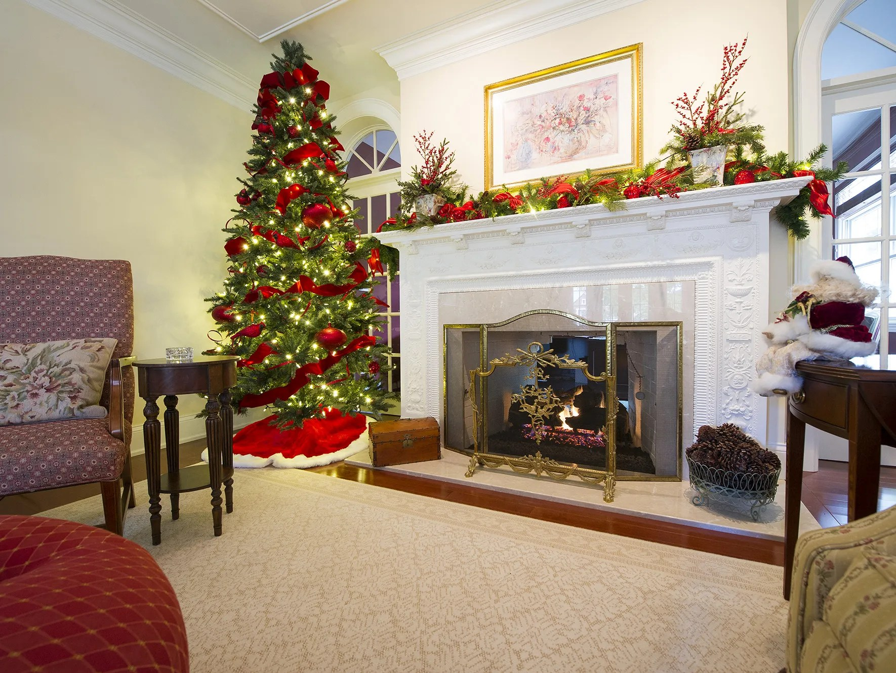 Decorating Homes For Christmas