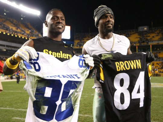 Broad receiver Dallas Cowboys Dez Bryant (R) and Pittsburgh Steelers receiver all exchange Antonio Brown (L) jerseys game after they play their game at Heinz Field in 2016. While Brown is always known as the most sport best, Bryant has fallen star and is looking for a new team after the Cowboys have released it.