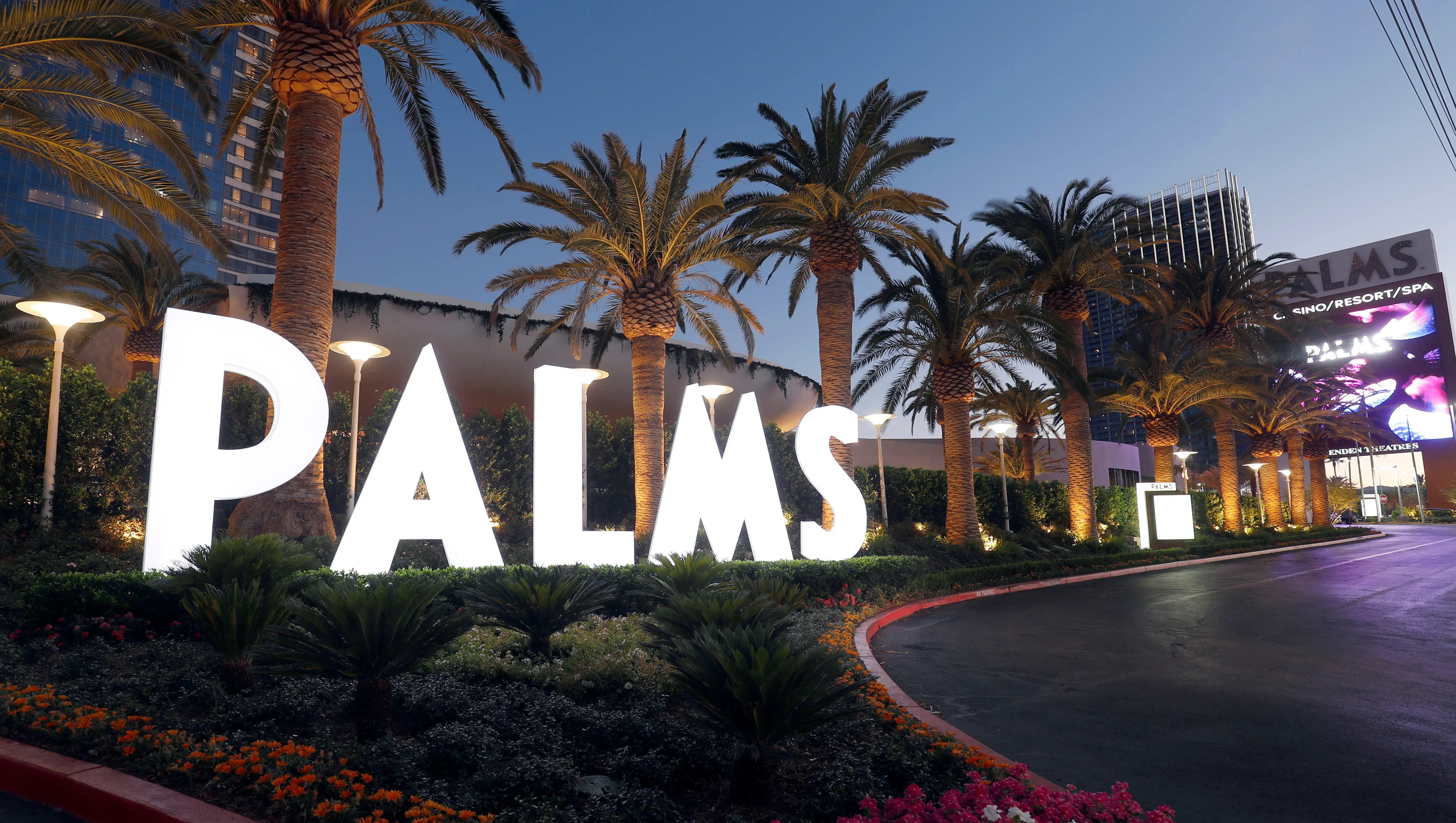 Tour Palms Casino Resort In Las Vegas