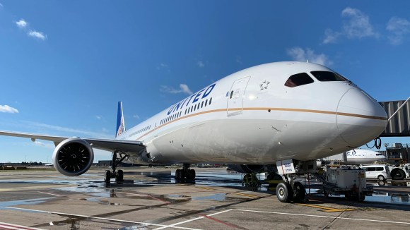 United Airlines' first Boeing 787-10 Dreamliner is