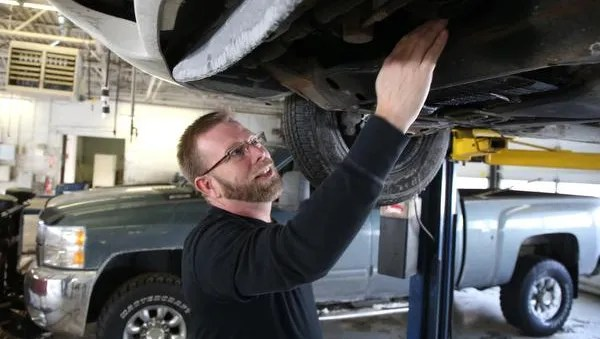 Self Serve Auto Shops Cater To Diy Mechanics