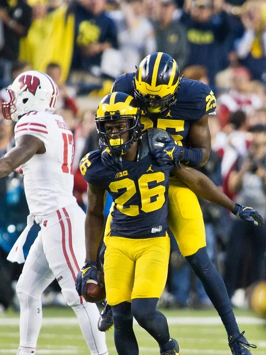 Michigan defense stands tall in 14-7 victory over Wisconsin
