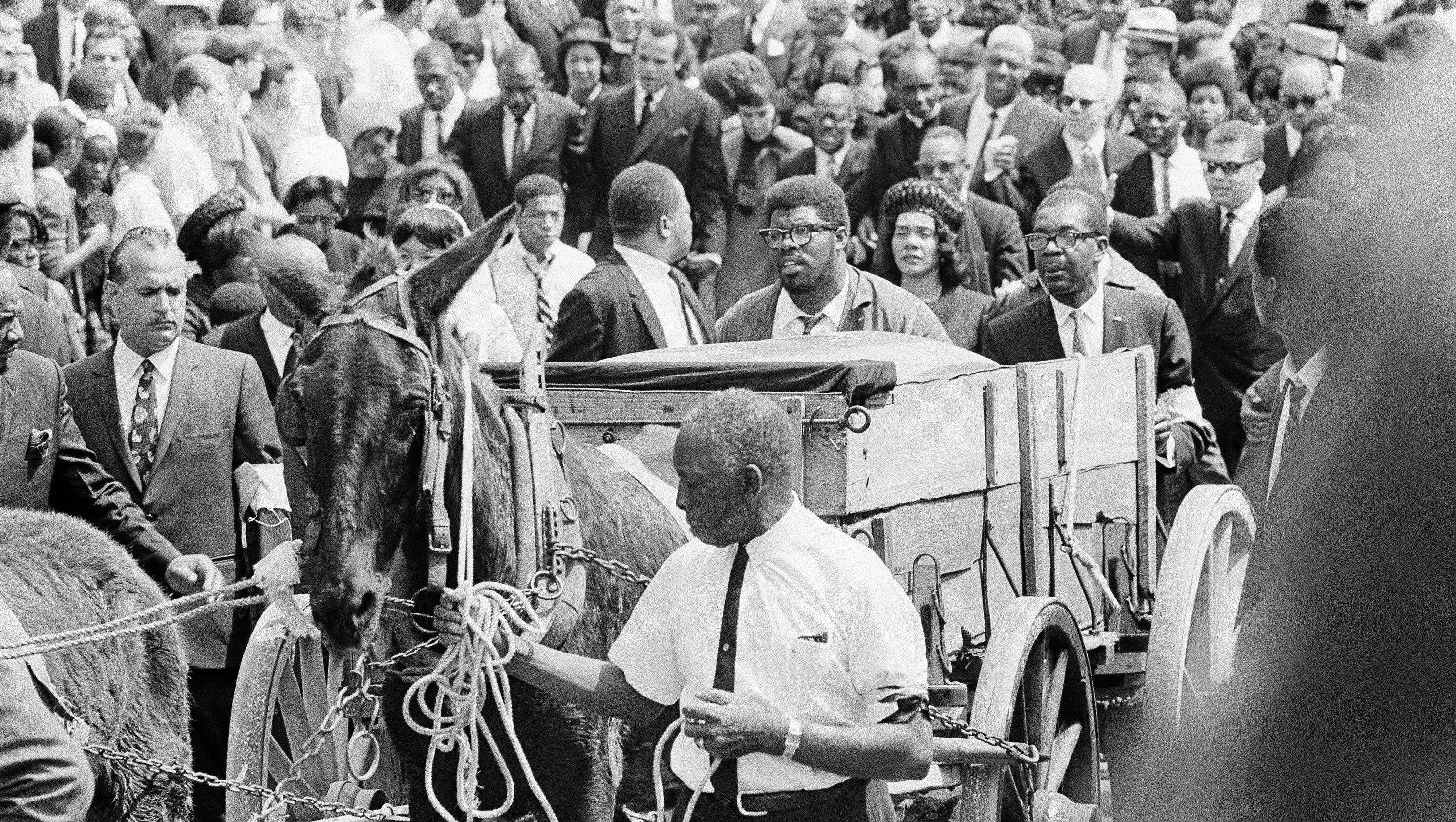 Civil Rights History 100 000 Witness Mlk S Funeral Procession